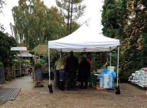 Også lokale handlende havde fået en plads hos Assens Planteskole.